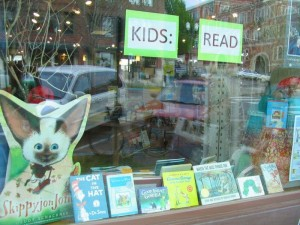 Booksellers: Enter the Children's Book Week Display Contest!